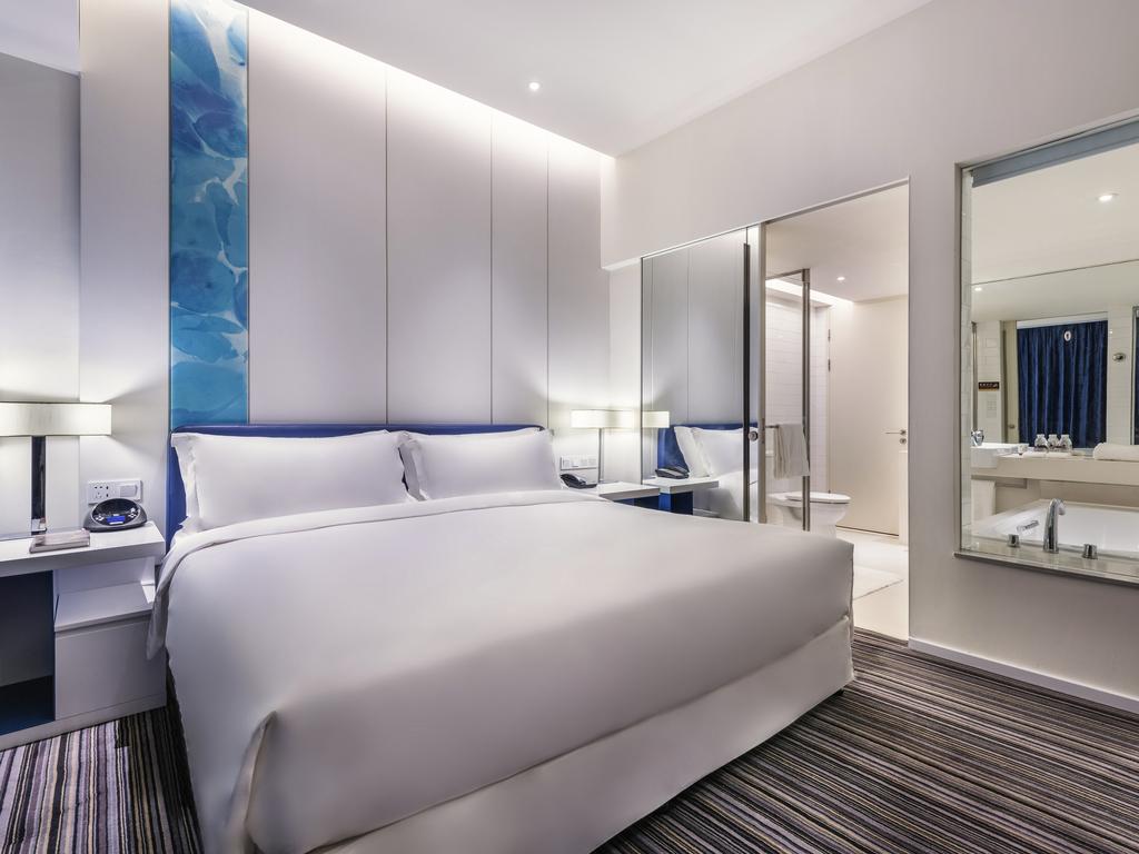 hotel in shanghai grand mercure shanghai century park. Black Bedroom Furniture Sets. Home Design Ideas