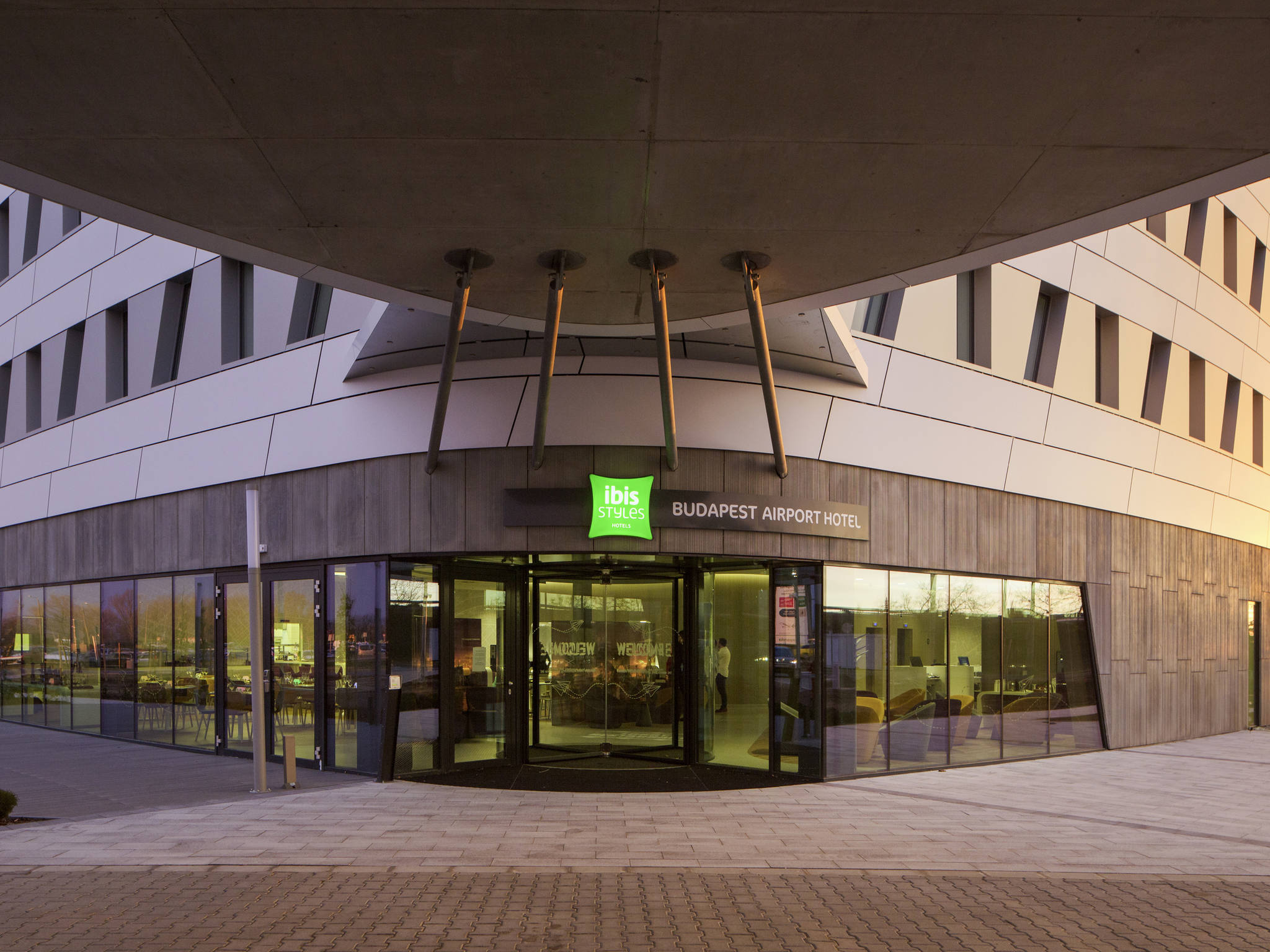 Ibis styles budapest airport affordable hotel in budapest for Hotel budapest