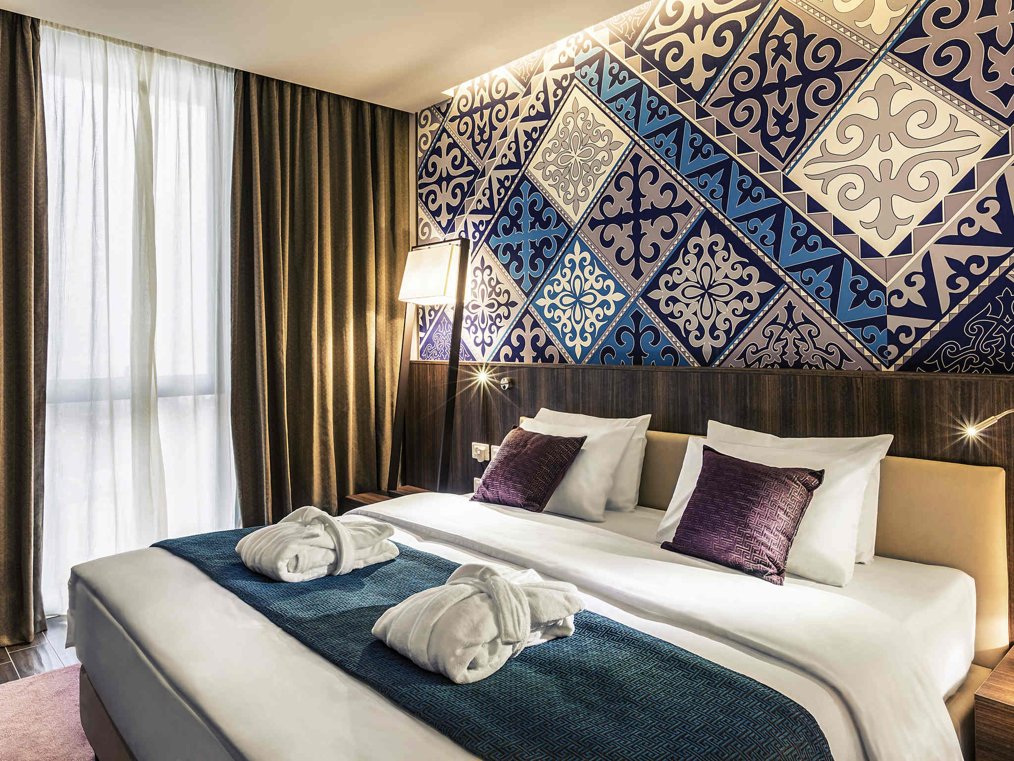 โรงแรม – Mercure Almaty City Center