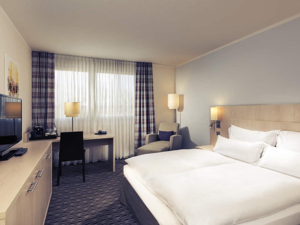 hotels nahe sap arena