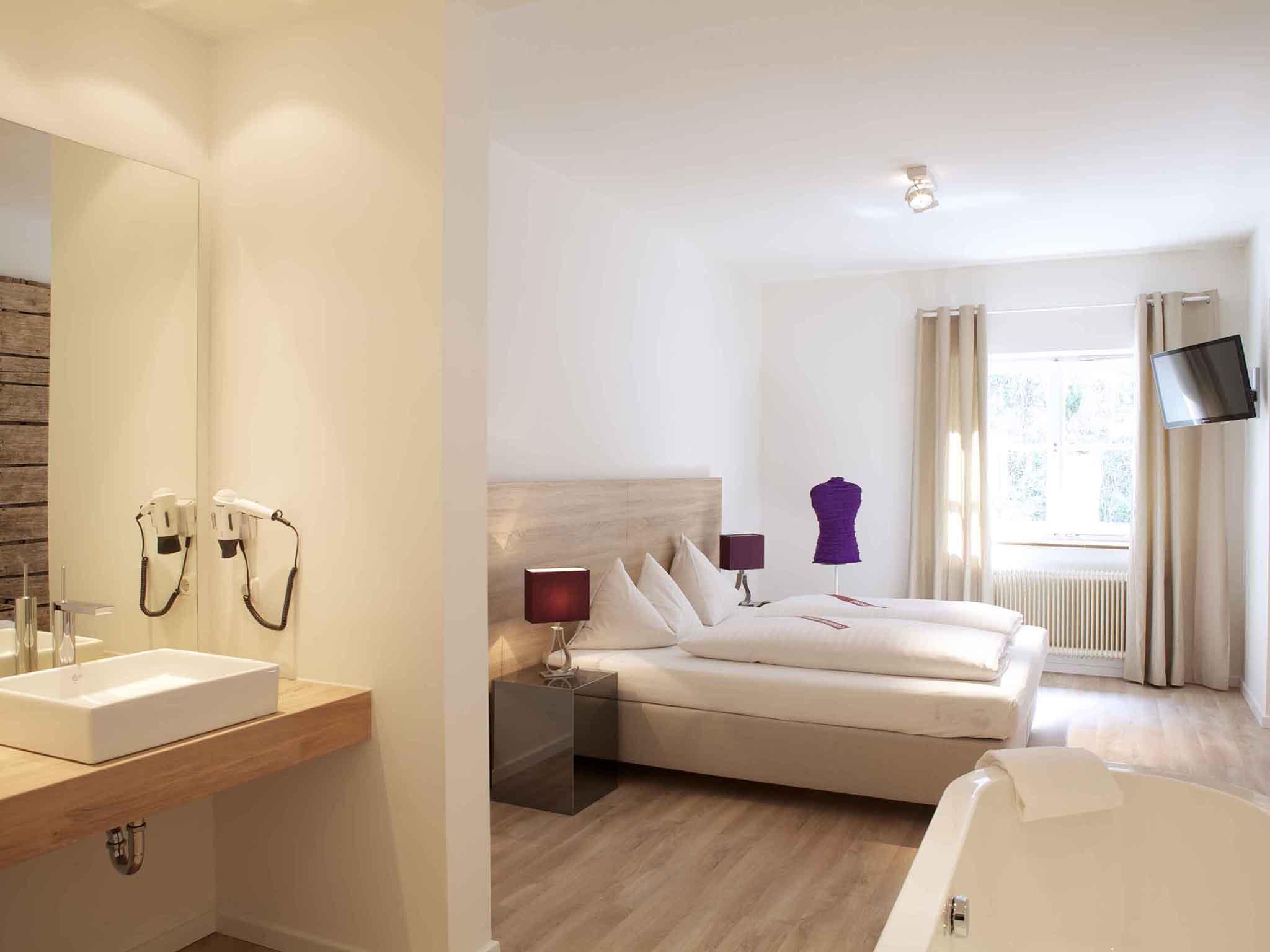 Hotel in salzburg boutique hotel krone 1512 for Design boutique hotel salzburg