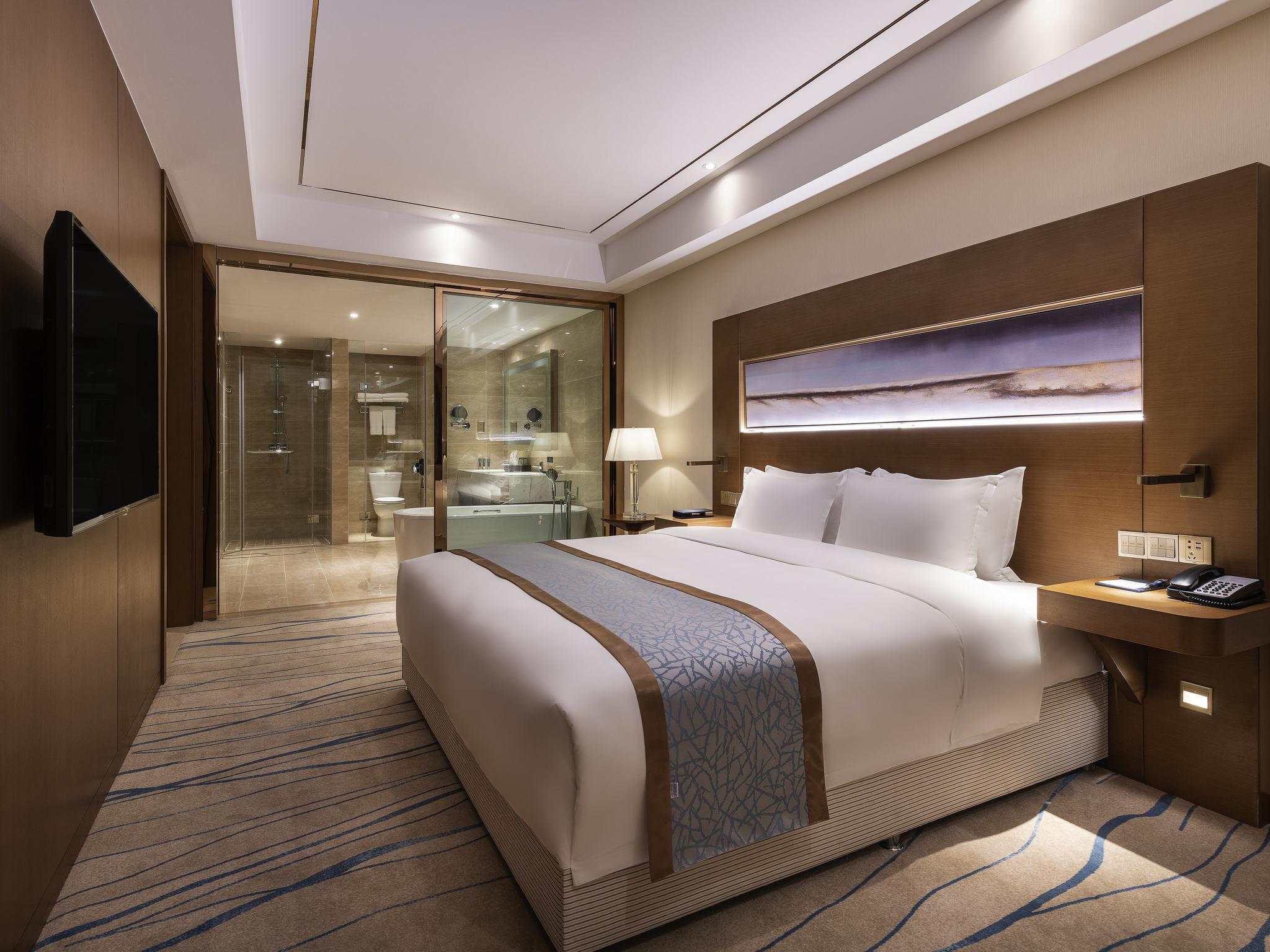 Hotel – Novotel Qingdao New Hope (inauguração em setembro de 2018)