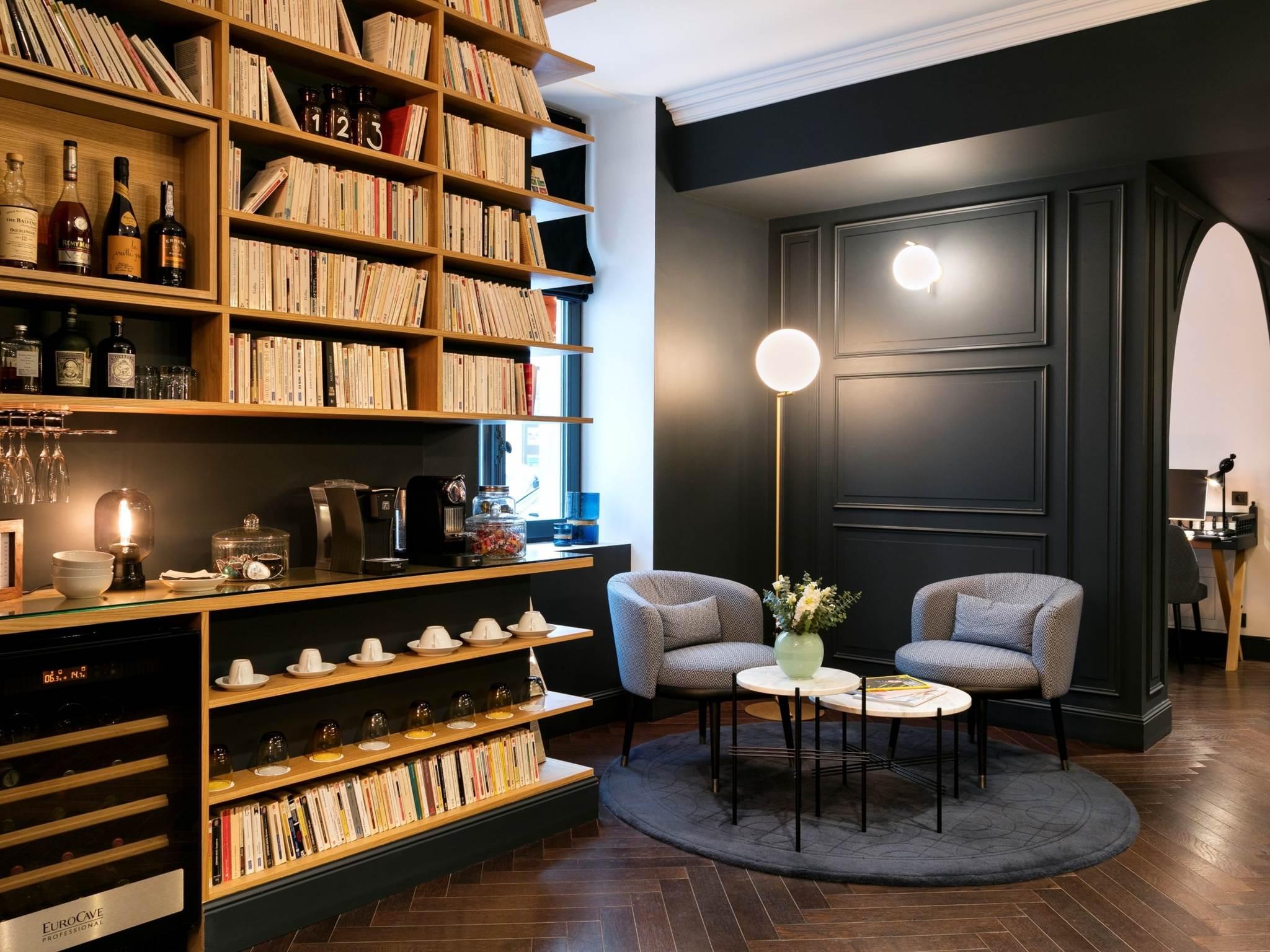 hotel in parijs hotel square louvois. Black Bedroom Furniture Sets. Home Design Ideas