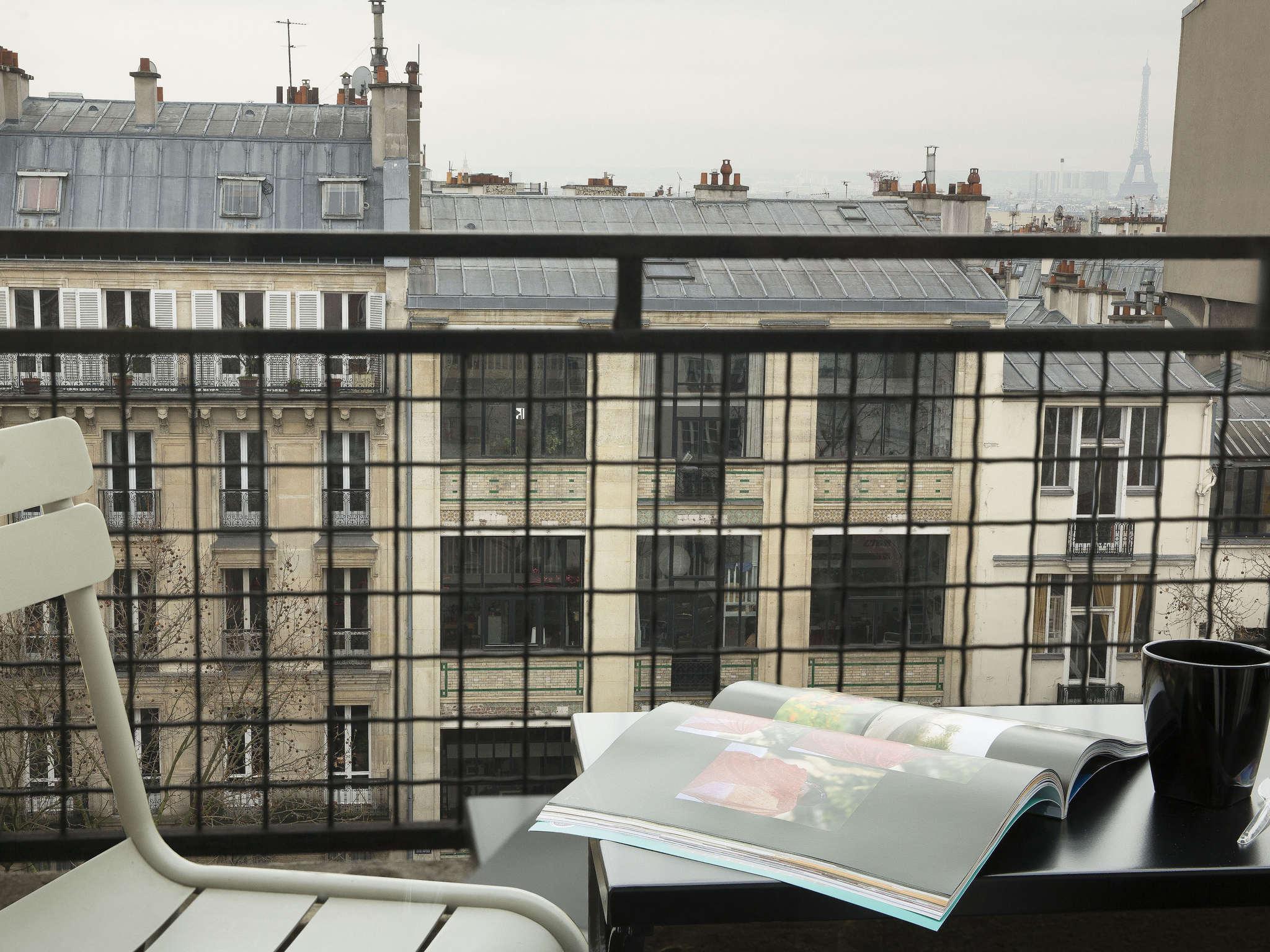 H Tel Paris Hotel Le Chat Noir