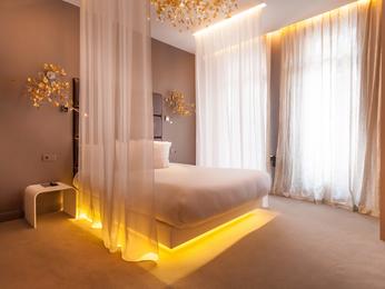 Legend Hotel by Elegancia