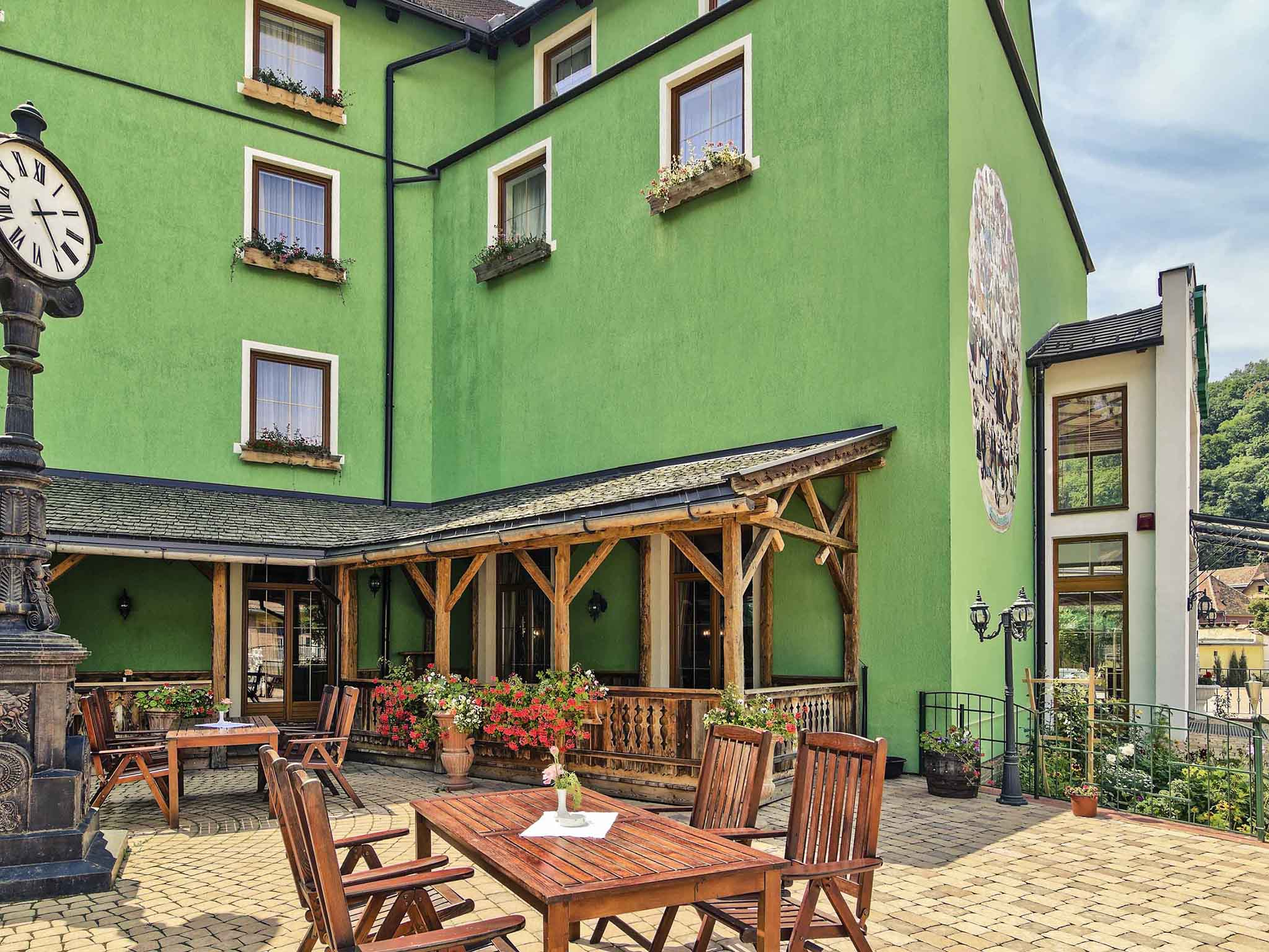 Отель — Mercure Sighisoara Binderbubi - Hotel & Spa