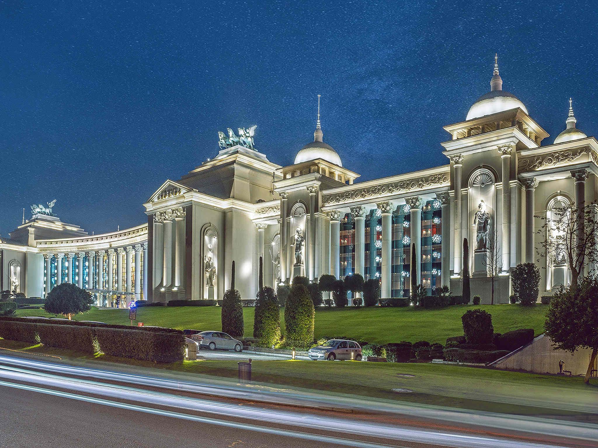 โรงแรม – The Land of Legends Kingdom
