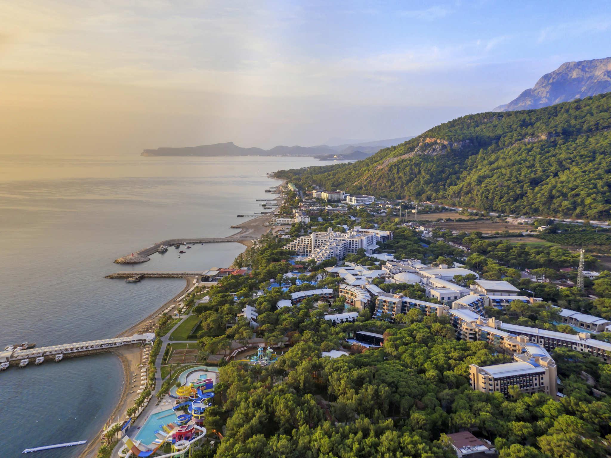 โรงแรม – Rixos Sungate