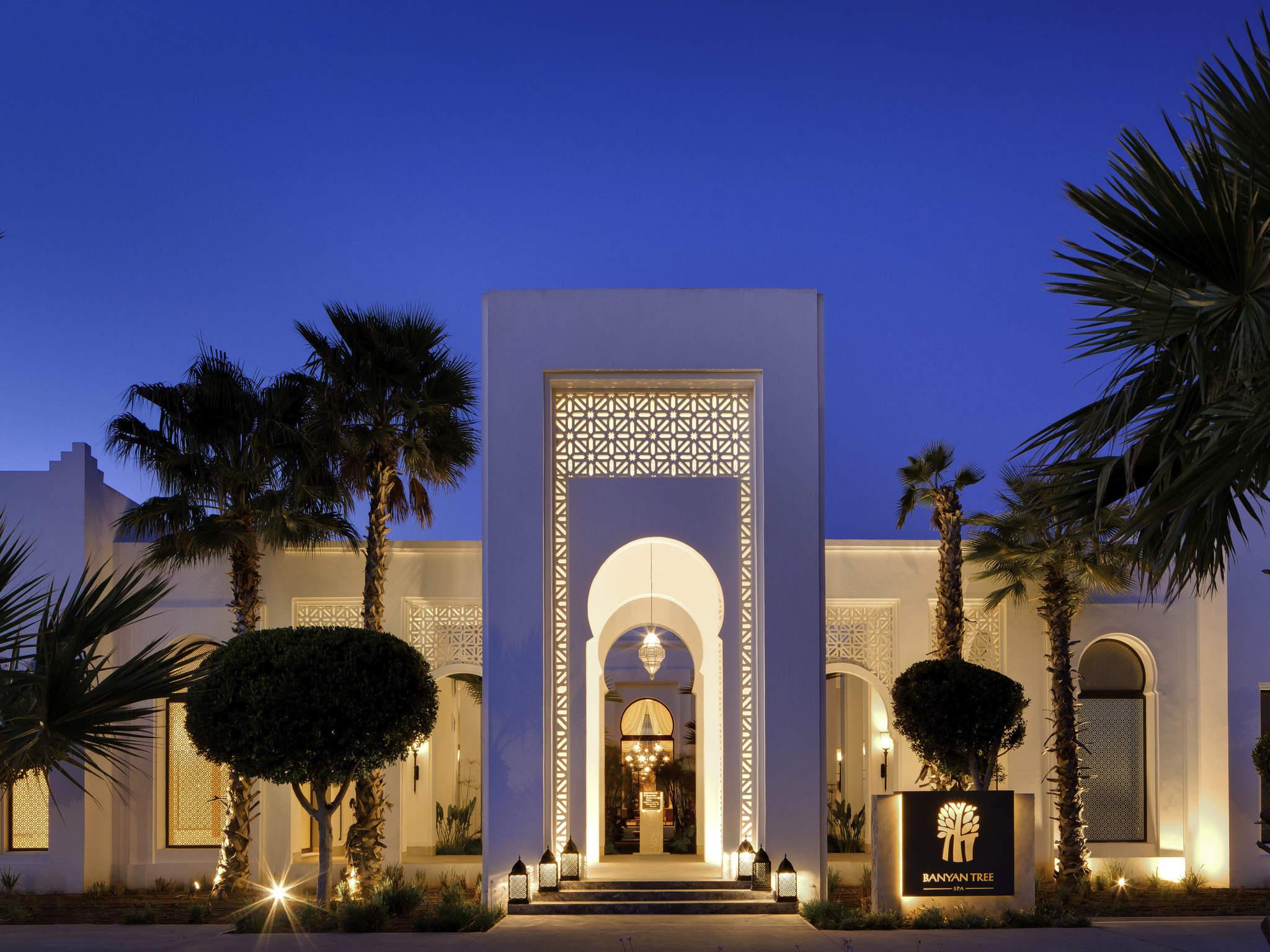 โรงแรม – Banyan Tree Tamouda Bay