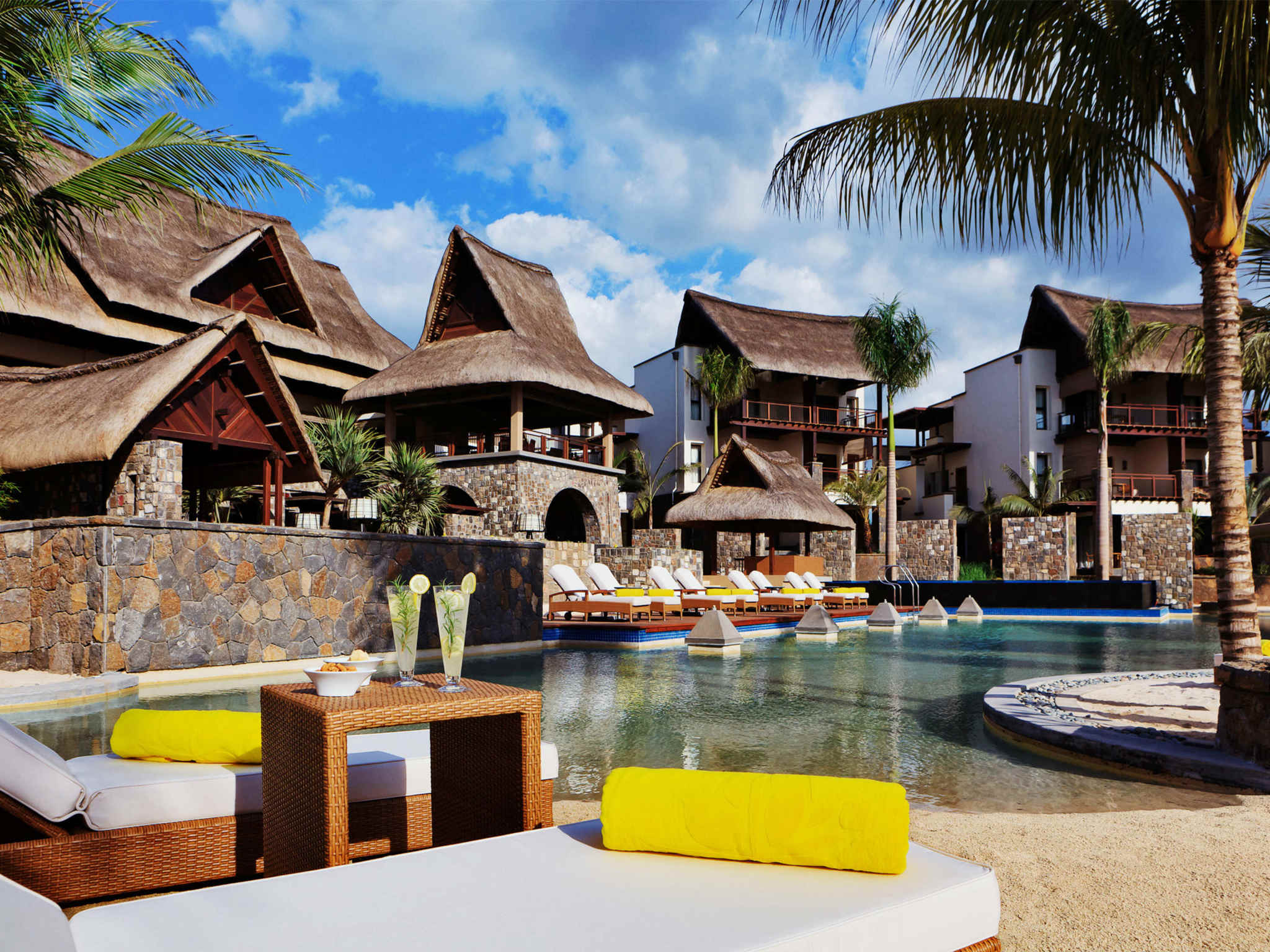 Отель — Angsana Балаклава Маврикий