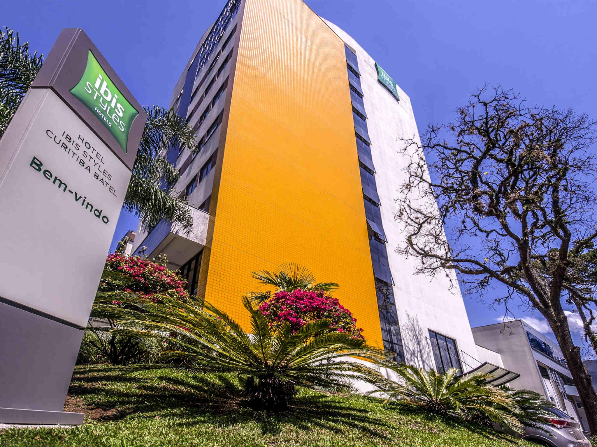 Отель — ibis Styles Curitiba Batel