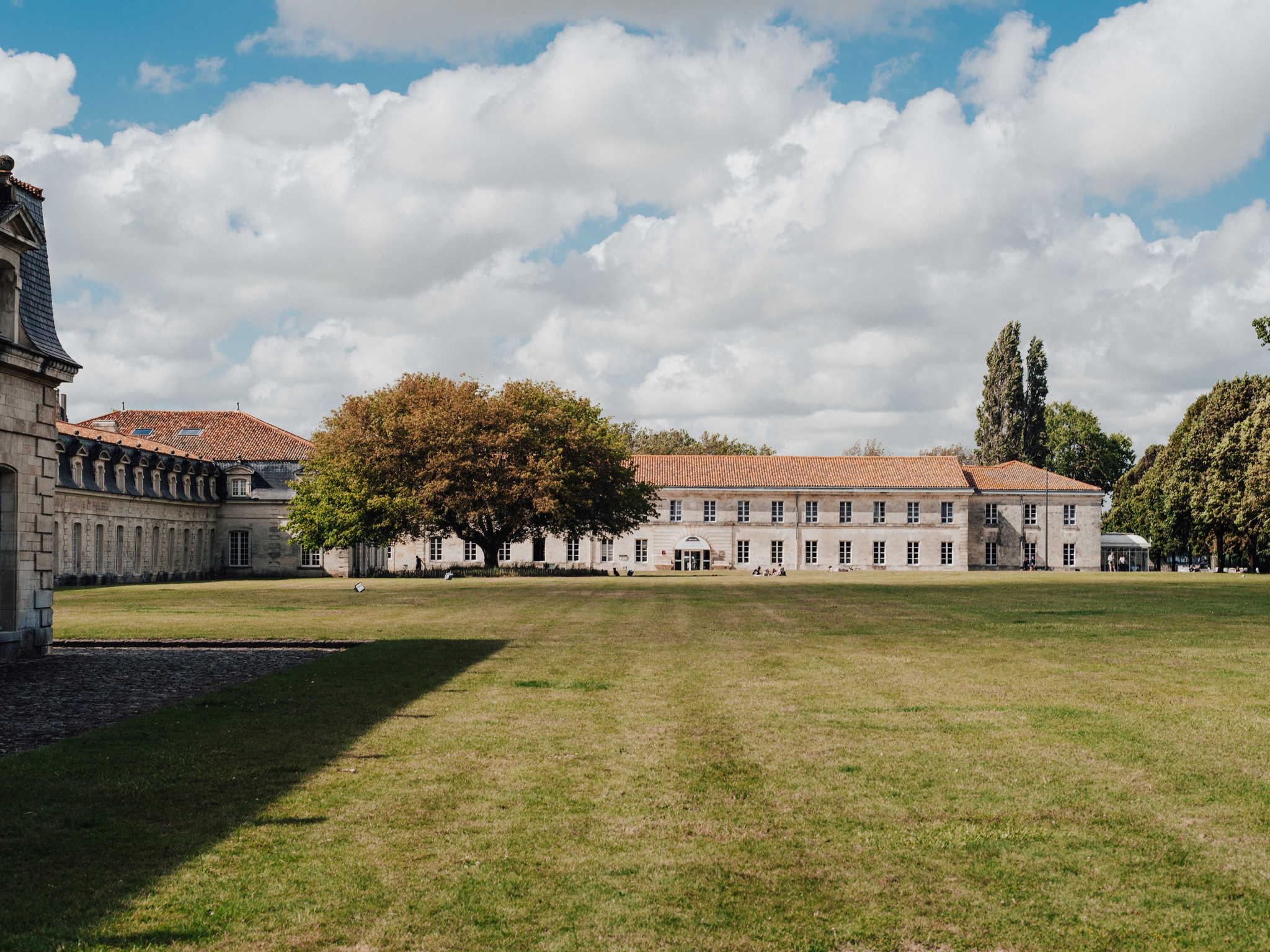 โรงแรม – Hôtel Mercure Rochefort La Corderie Royale