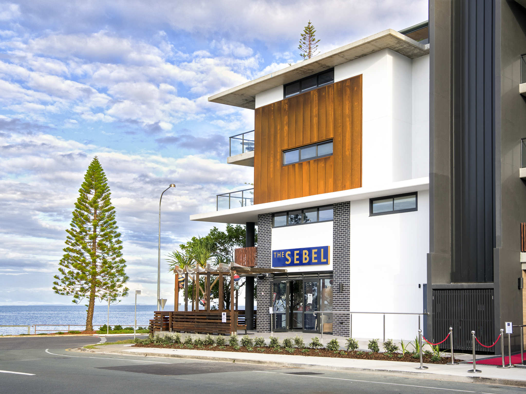 โรงแรม – The Sebel Brisbane Margate Beach