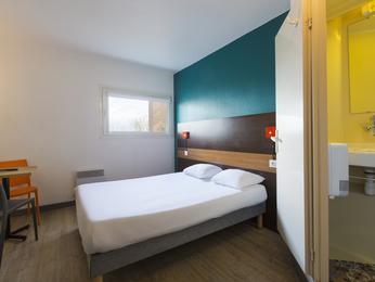 hotelF1 Maurepas
