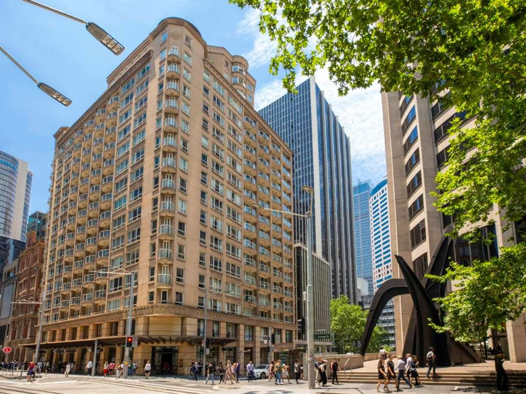 Mantra 2 Bond Street Sydney