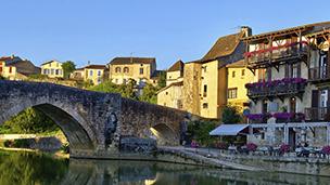 Francja - Liczba hoteli Agen
