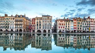 Francja - Liczba hoteli Bajonna