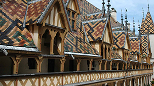 Francja - Liczba hoteli Beaune