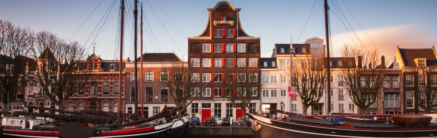 Holandia - Liczba hoteli Dordrecht