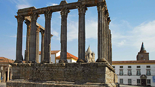 Portugalia - Liczba hoteli Évora