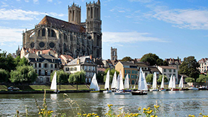Frankrike - Hotell Les Mureaux