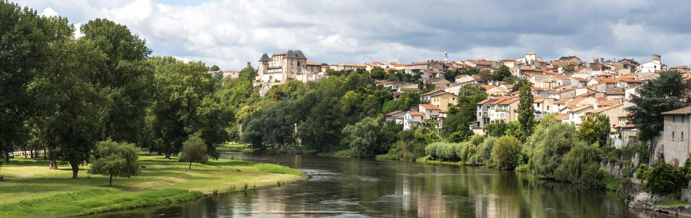 Francja - Liczba hoteli Saint-Pourçain-sur-Sioule