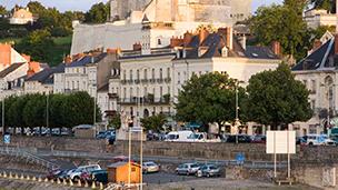 Francja - Liczba hoteli Saumur