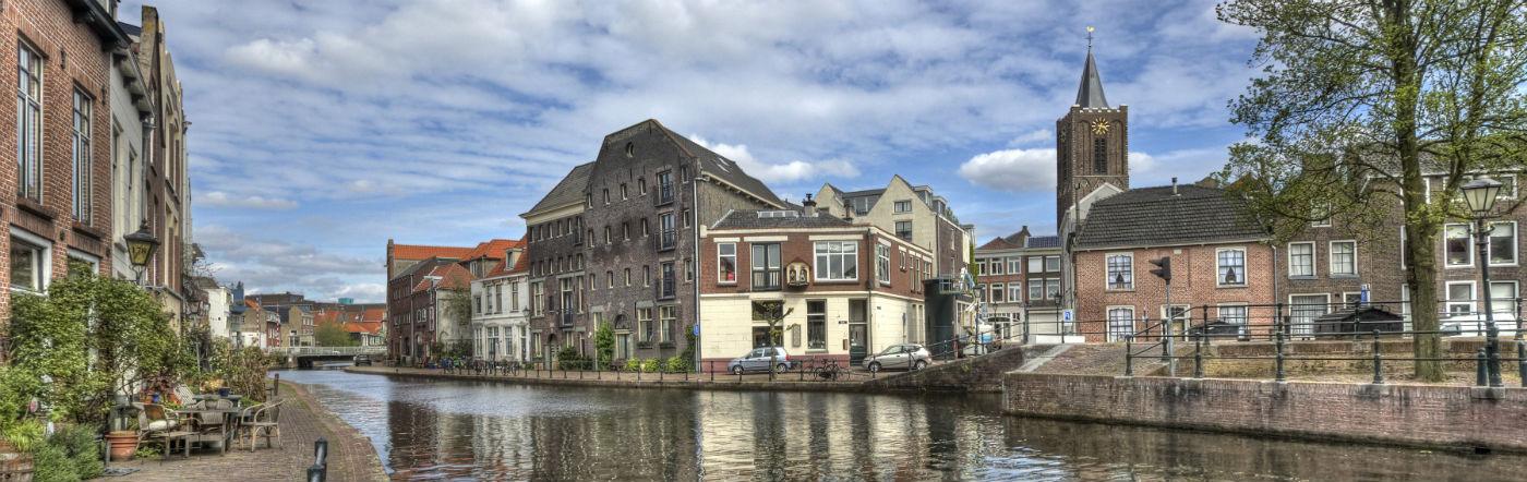 Holandia - Liczba hoteli Schiedam
