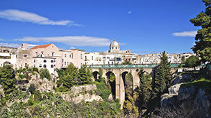 Włochy - Liczba hoteli Tarent