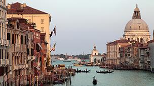Włochy - Liczba hoteli Wenecja