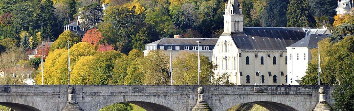 Francja - Liczba hoteli Chambray Les Tours