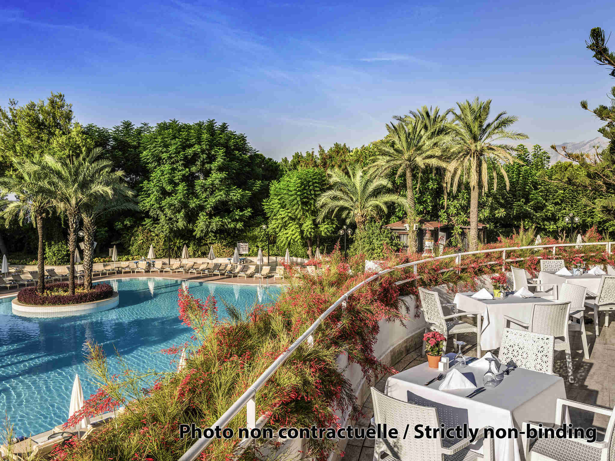Hotel – Rixos The Palm Luxury Suite Collection